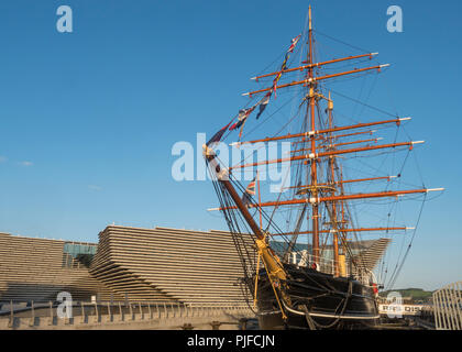 The historic sailing ship RRS Discovery with the new V&A Museum in the background at the Dundee waterfront in Tayside, Scotland - Stock Photo