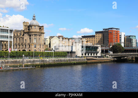 The towpath and north side of the River Clyde in central Glasgow, UK - Stock Photo
