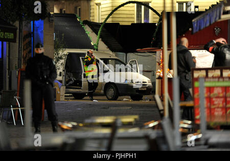 France, Nantes city, a car crashed into the crowd at the Christmas market, police and firemen in action, help on site and investigation. - Stock Photo