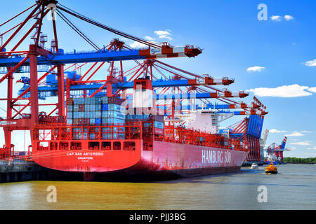 Container envelope in the Waltershofer harbour in Hamburg, Germany, Europe, Containerumschlag im Waltershofer Hafen in Hamburg, Deutschland, Europa - Stock Photo