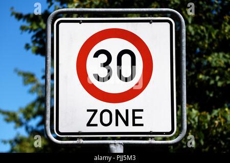 Sign tempo 30 Zone, Schild Tempo-30-Zone - Stock Photo