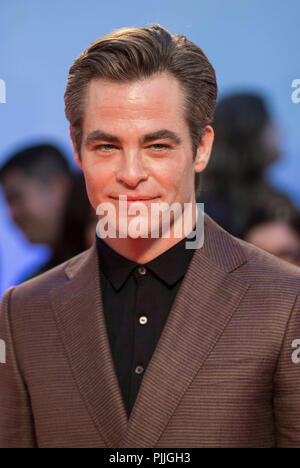 Toronto, Canada. 6th Sep, 2018. Actor Chris Pine poses for photos before the world premiere of the opening film 'Outlaw King' at Roy Thomson Hall during the 2018 Toronto International Film Festival (TIFF) in Toronto, Canada, Sept. 6, 2018. Credit: Zou Zheng/Xinhua/Alamy Live News - Stock Photo