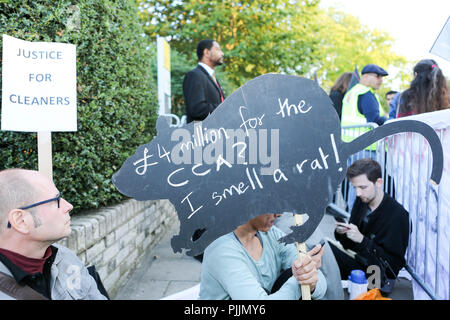 London, UK. 7th Sept 2018. Demonstration outside the Goldsmith Gallery calling for cleaners to be taken in house and end their ongoing problems with current employer ISS. Penelope Barritt/Alamy Live News - Stock Photo