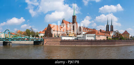 Panorama, Poland, Wroclaw, Boulevard X. Dunikowskiego, view to the cathedral island - Stock Photo