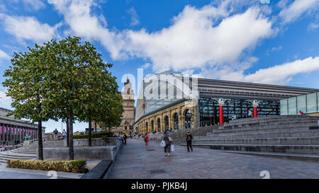 Lime street train station in LIverpool, UK - Stock Photo