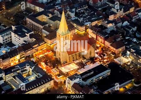Christmas market at the Paulus church Hamm with Christmas market and Weststraße, Hamm, Ruhr area, North Rhine-Westphalia, Germany - Stock Photo