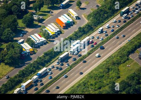 Rest area Reusrather Heide on the A3 motorway, motorway parking lot, traffic jam on the A3 motorway Cologne Leverkusen, car traffic, Leverkusen, Rhineland, North Rhine-Westphalia, Germany - Stock Photo