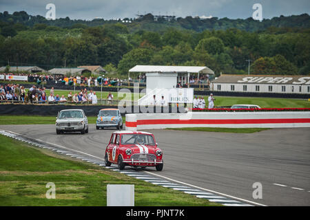 Chichester, West Sussex, UK, 8th September 2018. Car race during the Goodwood Revival at Goodwood Motor Credit: Gergo Toth/Alamy Live News - Stock Photo