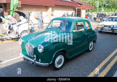 Glasgow, Scotland, UK. 8th September, 2018. Giffnock Village Classic Car Show returns for the event's fifth year. On show are a range of classic, vintage and unique cars as well as fun and entertainment for all the family. Credit: Skully/Alamy Live News - Stock Photo