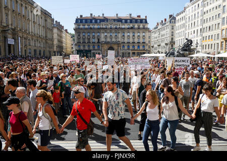 Lyon, France, September 8, 2018: More than 10000 persons gathered in Lyon center (Central Eastern France) on september 8, 2018 and marched during hours to protest against planet heating and claim for the defense of the planet Earth. Credit photo: Serge Mouraret/Alamy Live News - Stock Photo