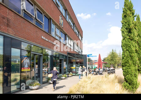 Main entrance to St George's Hospital, Effort Street, Tooting, London Borough of Wandsworth, Greater London, England, United Kingdom - Stock Photo