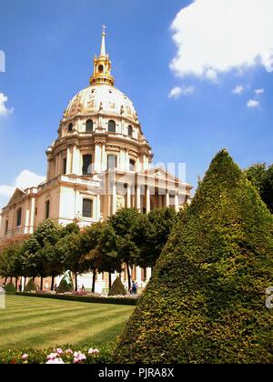 Église du Dôme, aka Saint-Louis-des-Invalides, 7e arrondissement, Paris, France - Stock Photo