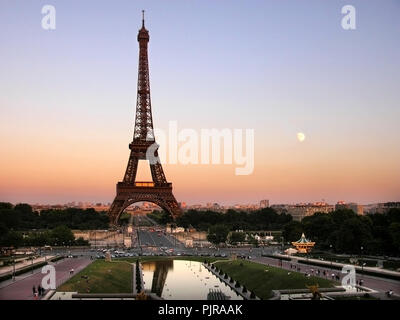 Eiffel Tower from the Jardins du Trocadéro, Paris, France: evening - Stock Photo