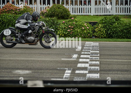 Chichester, West Sussex, UK, 9th September 2018. At the Finish line, Barry Sheene Memorial Trophy, during the Goodwood Revival at Goodwood Motor Circuit. Photo by Gergo Toth / Alamy Live News - Stock Photo