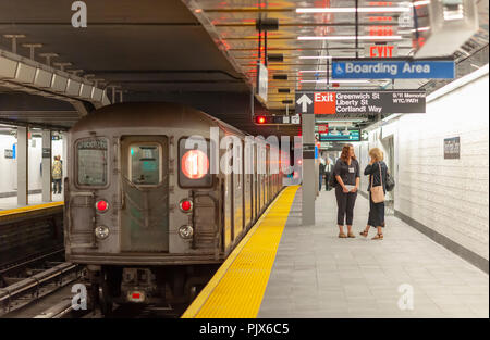 New York, USA. 08th Sep, 2018. Seventeen years after being destroyed on September 11, 2001 the Cortlandt Street-Word Trade Center subway station in New york opens for business on Saturday, September 8, 2018 attracting hordes of subway aficionados, tourists and the curious to its grand opening. Credit: Richard Levine/Alamy Live News - Stock Photo