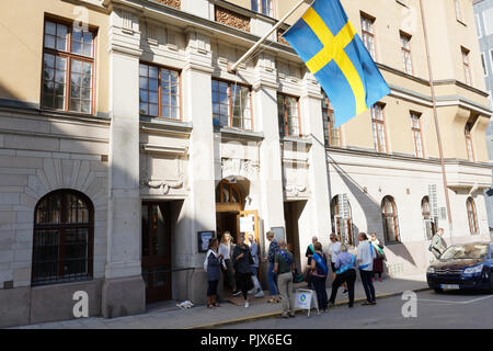 Stockholm, Sweden, 9th September, 2018. People at the polling station during Swedish general election 2018. This day members of the Riksdag will be elected, and regional and municipal elections are held the same day Credit: StockphotoVideo/Alamy Live News - Stock Photo