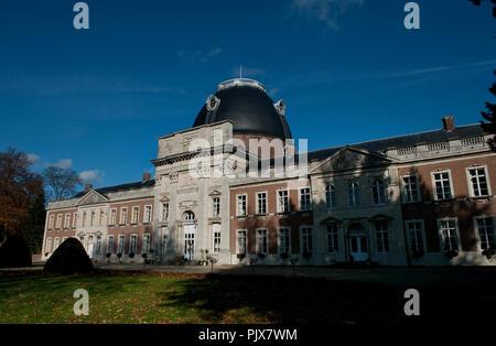 The Hélécine Provincial Park and its 18th Century castle (Belgium, 08/11/2008) - Stock Photo
