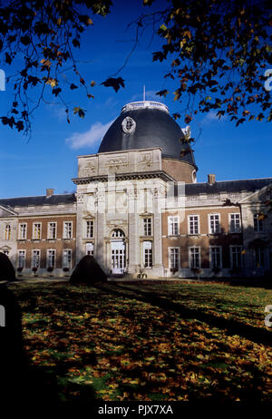 The Hélécine Provincial Park and its 18th Century castle (Belgium, 08/11/2008) - Stock Photo