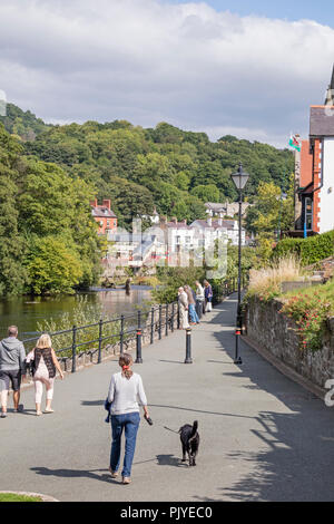 The popular Welsh town of Llangollen, Denbighshire, Wales, UK - Stock Photo