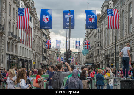 London, UK. 9 September, 2018. The OVO Energy Tour of Britain London Stage 8 concludes with a 14 lap circuit in central London on closed roads in front of large crowds and covering 77km at speeds of up to 80kph, starting and finishing on Regent Street St James's close to Piccadilly Circus. Credit: Malcolm Park/Alamy Live News. - Stock Photo