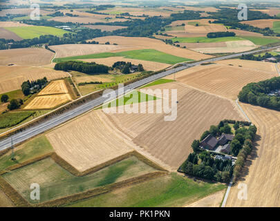 Bald fields, early harvest due to drought and drought alongside the A44 motorway, Hetterscheidt, Heiligenhaus, Ruhr Area - Stock Photo