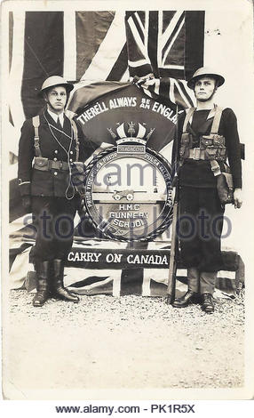 vintage photograph showing two Canadian soldiers  from the first word war - Stock Photo