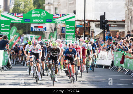 London, UK. 9th September, 2018. Riders start the 77km London Stage (Stage 8) of the OVO Energy Tour of Britain cycle race. Credit: Mark Kerrison/Alamy Live News - Stock Photo