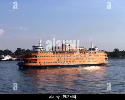 New York, USA. 03rd July, 2017. 03.07.2017, USA, New York: Ferry in the harbour of Staten Island. (to dpa: ''Fifth and Forgotten': The turnaround for New York's Staten Island' from 11.09.2018) Credit: Christina Horsten/dpa/Alamy Live News - Stock Photo