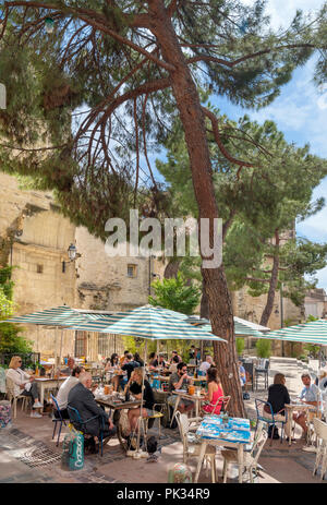 Cafes and restaurants on Rue Saint-Paul in the historic old town, Montpellier, Languedoc, France - Stock Photo