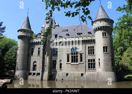 MECHELEN, BELGIUM, 26 MAY 2018: Exterior view of the 19th century Zellaer Castle, in Bonheiden near Mechelen. Formerly a convent, the grounds and cast - Stock Photo
