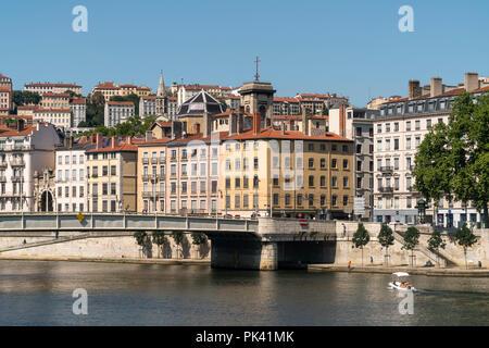 Lyon und der Fluss  Saone, Auvergne-Rhone-Alpes, Frankreich    Lyon and Saone river, Auvergne-Rhone-Alpes, France - Stock Photo