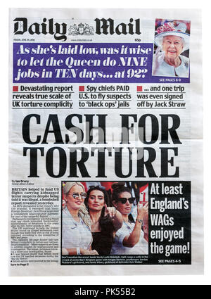 Front page of the Daily Mail with the headline Cash For Torture, outlining British complicity in extraordinary renditions of terror suspects to USA - Stock Photo