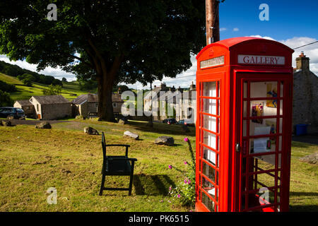 UK, Yorkshire, Settle, Green Head Lane, the Gallery on the Green, in old red K6 phone box, world's smallest art gallery - Stock Photo