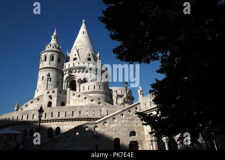 Budapest, Hungary. 06th Sep, 2018. BUDAPEST, HUNGARY - SEPTEMBER 6, 2018: Fisherman's Bastion (Halaszbastya) in Budapest. Valery Sharifulin/TASS Credit: ITAR-TASS News Agency/Alamy Live News - Stock Photo