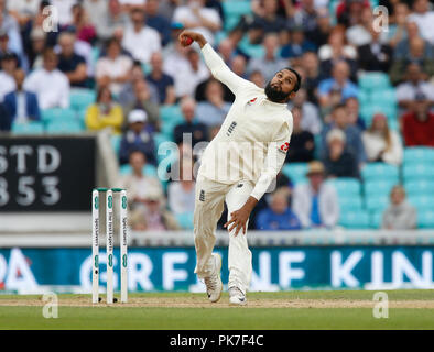 Kia Oval, London, UK. 11th Sep, 2018. Specsavers International Test Match Cricket, 5th test, day 5; Adil Rashid of England Credit: Action Plus Sports/Alamy Live News - Stock Photo