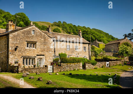 UK; Yorkshire; Wharfedale; Starbotton; attractive 1663 stone built farmhouse below Cam Gill Beck - Stock Photo