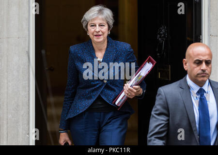 London, UK. 12th Sep, 2018. Prime Minister Theresa May leaves 10 Downing Street to attend Prime Minister's Questions in the House of Commons. Credit: Mark Kerrison/Alamy Live News - Stock Photo