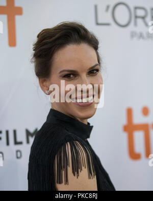 Toronto, Canada. 12th Sep, 2018. Actress Hilary Swank poses for photos before the international premiere of the film 'What They Had' at Roy Thomson Hall during the 2018 Toronto International Film Festival in Toronto, Canada, Sept. 12, 2018. Credit: Zou Zheng/Xinhua/Alamy Live News - Stock Photo