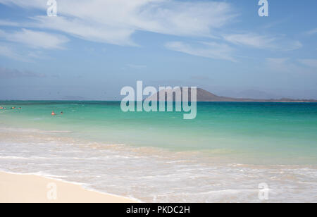 Los Lobos island in the middle of the turquoise waters of the Atlantic Ocean, Corralejo, Fuerteventura, Canary Islands, Spain - Stock Photo