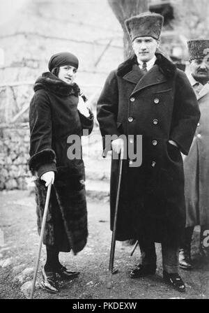 Mustafa Kemal Atatürk (1881 – 1938) Turkish revolutionary and founder of the Republic of Turkey, serving as its first President from 1923 until his death in 1938. Mustafa Kemal Atatürk and Latife Uşakizâde, - Stock Photo