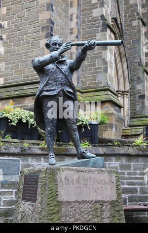 Statue of Admiral Adam Duncan outside St Paul's Cathedral on the High Street in Dundee, built on the site of the former medieval castle, in Scotland,  - Stock Photo