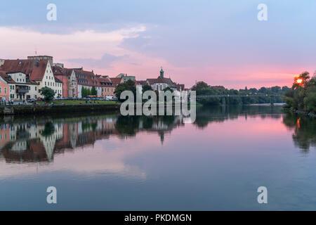 Sonnenuntergang an der Donau, Regensburg, Bayern, Deutschland, Europa | sunset at Danube river in Regensburg, Bavaria, Germany, Europe - Stock Photo
