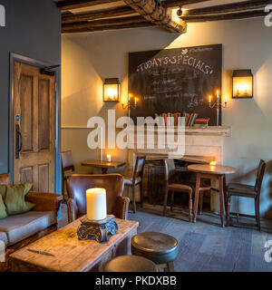 Interior view of the Porch House Pub and Inn - England's oldest c. 947AD, Stow-on-the-Wold, Gloucestershire, England - Stock Photo