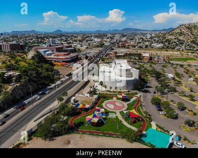 Museo de Arte de Sonora, MUSAS. Parque recreativo.   Paisaje urbano, paisaje de la ciudad de Hermosillo, Sonora, Mexico. Urban landscape, landscape of - Stock Photo