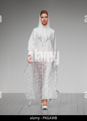 London, UK. 13th Sep 2018. London Fashion Week SS19 Bailuyu Catwalk Credit: catwalking/runways/Alamy Live News - Stock Photo