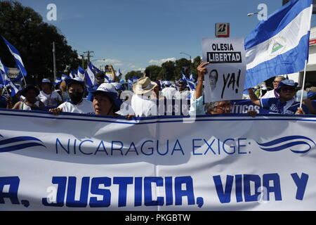 Managua, Nicaragua. 09th Sep, 2018. Opposition protestors participate in the March of the Hats to demand the freedom of political prisoners, in Managua, Nicaragua, 13 September 2018. Credit: Jorge Torres/EFE/Alamy Live News - Stock Photo