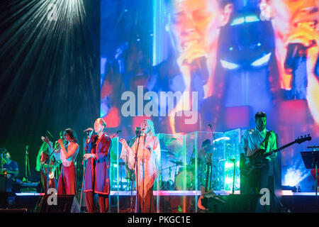 Southbank, London, UK. 13th Sep 2018. La Roux performing with Whyte Horses on stage at the Festival Hall, Southbank, in London. Photo date: Thursday, September 13, 2018. Photo: Roger Garfield/Alamy Credit: Roger Garfield/Alamy Live News - Stock Photo