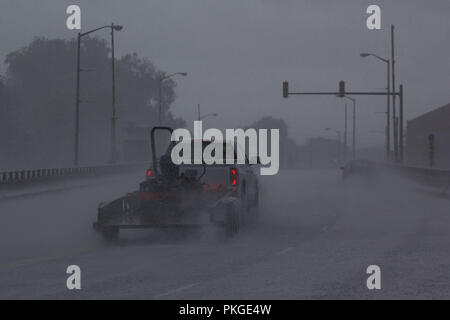 Washington, NC, USA. 13th Sep, 2018. Vehicles travel in heavy rain in Washington, NC nearly sixteen hours before the nearby landfall of Hurricane Florence, September 13, 2018. Credit: Michael Candelori/ZUMA Wire/Alamy Live News - Stock Photo