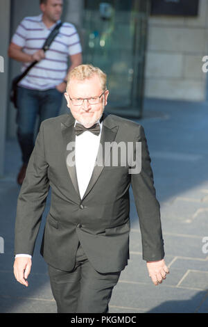 Sir David Mundell MP - Secretary of State for Scotland seen walking to dinner for the Sir Tom Hunter Foundation, EICC, Edinburgh, 26th May 2017. - Stock Photo