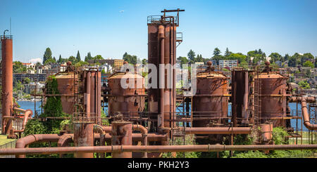 Gas Works Park with view of the lake and city - Stock Photo